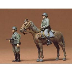 Set Nemških vojakov na kunju