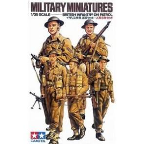 Britanski vojaki na patrulji